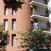 Hostal Cal Siles, hotel near Barcelona El Prat Airport - BCN, El Prat de Llobregat