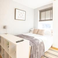 Modern and Chic Studio Flat for 2 people in West Kilburn by Queen's Park