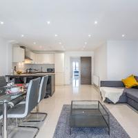 Canary Wharf apartment by Flexy