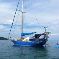 Experience sailing life in San Blas, all inclusive.