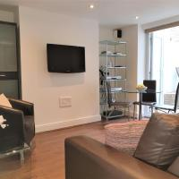 Angel Islington Stylish 1 Bedroom Apartment + Patio, Sleeps 4