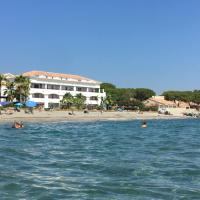 Appartement avec piscine vue mer et montagne
