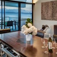 Waves 3 Luxury 3 Bedroom Endless Ocean Views Central Location + Buggy