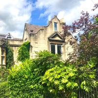 Skylight Loft - Unique flat in Gothic Victorian Villa