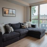 Cosy 1 Bedroom South West London Apartment by River