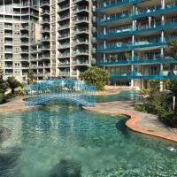 Apartment in Ocean Village - Rock view and pools, hotel cerca de Aeropuerto de Gibraltar - GIB, Gibraltar