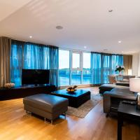 St George - Apartment with River Views, Secure Riverside Development