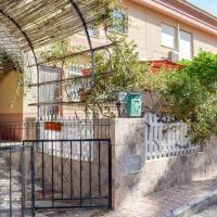 Stunning home in Calabardina w/ 3 Bedrooms