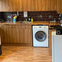 NEW SPACIOUS 2 BEDROOM FLAT