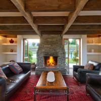 Mountain View Luxury Retreat