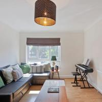 Lovely, Bright 2-Bed Townhouse, with Cot & Garden, Angel/Old St