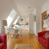 Chic 2 Bed, 2 Bath Apartment near River Thames