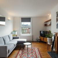 Quirky 2-Bed Flat in Acton, 15 mins to Paddington