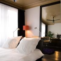 Room in the city