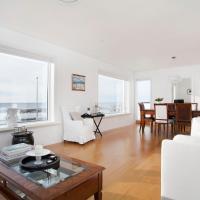 Luxury Family Apartment Near Downtown Reykjavík