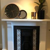 Luxury Stylish Period Apartment-20mins to London!