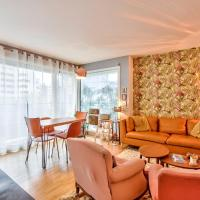 Warm apartment in the heart of Paris 20th