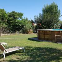 Barraca típica del Delta, con piscina, jardín y barbacoa