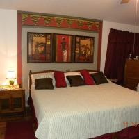 Cozy Master Suite next to Preserve