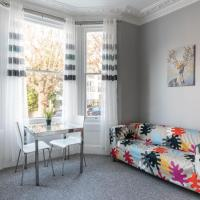 Contemporary 2 Bedroom Flat in Brighton