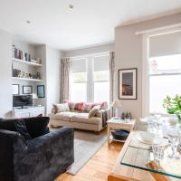 Bright Family Home close to Wandsworth Common