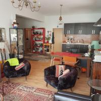 Stylish Apartment in Center Tel Aviv-upscale neighborhood-Renovated-Huge Green Terrace with access through the window - no parties- no drinking- no smoking