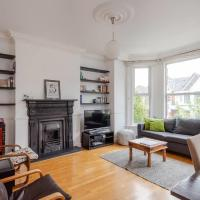 Bright 3bd Apartment in London by GuestReady