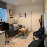Beautiful Central Cottage ~ Free Parking