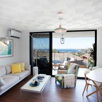 Ocean views and sea breezes over Bondi Beach