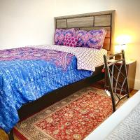 LARGE SUNNY BEDROOM 15-20 MIN TO NYC