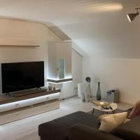 Apartment 4 - Helle Dachwohnung mit viel Charme