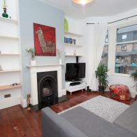 Lovely 3-bedroom house with garden in Leyton