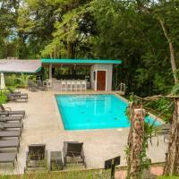 Teva Jungle Hotel & Hostel