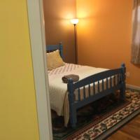 Beautiful Room 4 mins from JFK and 15 mins from LaGuardia Airports