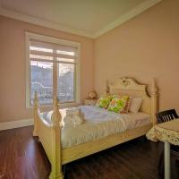 1 bedroom private suite with separated entrance