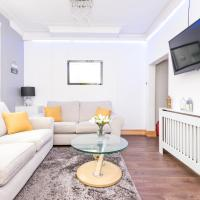 Spacious & Homely, 3 Double Beds with Free Parking
