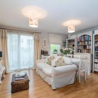 1 bedroom apartment with balcony by GuestReady
