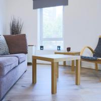 Well connected 2 bedroom by GuestReady