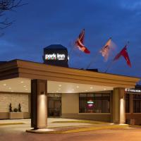 Park Inn by Radisson Toronto-Markham </h2 </a <div class=sr-card__item sr-card__item--badges <div class= sr-card__badge sr-card__badge--class u-margin:0  data-ga-track=click data-ga-category=SR Card Click data-ga-action=Hotel rating data-ga-label=book_window:  day(s)  <i class= bk-icon-wrapper bk-icon-stars star_track  title=3 estrelles  <svg aria-hidden=true class=bk-icon -sprite-ratings_stars_3 focusable=false height=10 width=32<use xlink:href=#icon-sprite-ratings_stars_3</use</svg                     <span class=invisible_spoken3 estrelles</span </i </div   <div class=sr-card__item__review-score style=padding: 8px 0  <div class=bui-review-score c-score bui-review-score--inline bui-review-score--smaller <div class=bui-review-score__badge aria-label=Li han posat un 7,7 7,7 </div <div class=bui-review-score__content <div class=bui-review-score__title Força bé </div </div </div   </div </div <div class=sr-card__item   data-ga-track=click data-ga-category=SR Card Click data-ga-action=Hotel location data-ga-label=book_window:  day(s)  <svg aria-hidden=true class=bk-icon -iconset-geo_pin sr_svg__card_icon focusable=false height=12 role=presentation width=12<use xlink:href=#icon-iconset-geo_pin</use</svg <div class= sr-card__item__content   Markham • A  <span 3,6 km </span  del centre </div </div </div </div </div </li <li id=hotel_76521 data-is-in-favourites=0 data-hotel-id='76521' class=sr-card sr-card--arrow bui-card bui-u-bleed@small js-sr-card m_sr_info_icons card-halved card-halved--active   <div data-href=/hotel/ca/monte-carlo-inn-markham.ca.html onclick=window.open(this.getAttribute('data-href')); target=_blank class=sr-card__row bui-card__content data-et-click= data-et-view=  <div class=sr-card__image js-sr_simple_card_hotel_image has-debolded-deal js-lazy-image sr-card__image--lazy data-src=https://q-cf.bstatic.com/xdata/images/hotel/square200/132937325.jpg?k=96569c01fcec45e1ae8e3ab3ae8fab9f54c56fc820d9070033353d60022b30d7&o=&s=1,https://r-cf.bstatic.com/xdata/images/hotel/max1024x768/132937325.jpg?k=16509a3b707cfea43f599ad2844c87e244d54b7b4918ba8ddbb19034ce93b0c6&o=&s=1  <div class=sr-card__image-inner css-loading-hidden </div <noscript <div class=sr-card__image--nojs style=background-image: url('https://q-cf.bstatic.com/xdata/images/hotel/square200/132937325.jpg?k=96569c01fcec45e1ae8e3ab3ae8fab9f54c56fc820d9070033353d60022b30d7&o=&s=1')</div </noscript </div <div class=sr-card__details data-et-click=customGoal:NAREFGCQABaOSJIaPdMYTQDZBaDMWPHDDWe:2   <div class=sr-card_details__inner <a href=/hotel/ca/monte-carlo-inn-markham.ca.html onclick=event.stopPropagation(); target=_blank <h2 class=sr-card__name u-margin:0 u-padding:0 data-ga-track=click data-ga-category=SR Card Click data-ga-action=Hotel name data-ga-label=book_window:  day(s)  Monte Carlo Inn Markham </h2 </a <div class=sr-card__item sr-card__item--badges <div class= sr-card__badge sr-card__badge--class u-margin:0  data-ga-track=click data-ga-category=SR Card Click data-ga-action=Hotel rating data-ga-label=book_window:  day(s)  <i class= bk-icon-wrapper bk-icon-stars star_track  title=3 estrelles  <svg aria-hidden=true class=bk-icon -sprite-ratings_stars_3 focusable=false height=10 width=32<use xlink:href=#icon-sprite-ratings_stars_3</use</svg                     <span class=invisible_spoken3 estrelles</span </i </div   <div class=sr-card__item__review-score style=padding: 8px 0  <div class=bui-review-score c-score bui-review-score--inline bui-review-score--smaller <div class=bui-review-score__badge aria-label=Li han posat un 7,7 7,7 </div <div class=bui-review-score__content <div class=bui-review-score__title Força bé </div </div </div   </div </div <div class=sr-card__item   data-ga-track=click data-ga-category=SR Card Click data-ga-action=Hotel location data-ga-label=book_window:  day(s)  <svg aria-hidden=true class=bk-icon -iconset-geo_pin sr_svg__card_icon focusable=false height=12 role=presentation width=12<use xlink:href=#icon-iconset-geo_pin</use</svg <div class= sr-card__item__content   Markham • A  <span 3 km </span  del centre </div </div </div </div </div </li <li id=hotel_280661 data-is-in-favourites=0 data-hotel-id='280661' class=sr-card sr-card--arrow bui-card bui-u-bleed@small js-sr-card m_sr_info_icons card-halved card-halved--active   <div data-href=/hotel/ca/monte-carlo-inn-suites-downtown-markham.ca.html onclick=window.open(this.getAttribute('data-href')); target=_blank class=sr-card__row bui-card__content data-et-click= data-et-view=  <div class=sr-card__image js-sr_simple_card_hotel_image has-debolded-deal js-lazy-image sr-card__image--lazy data-src=https://r-cf.bstatic.com/xdata/images/hotel/square200/242591086.jpg?k=7ec96a3156840952fed89aa3e2f24ebfd7b10489030968e2d100724d122688d8&o=&s=1,https://r-cf.bstatic.com/xdata/images/hotel/max1024x768/242591086.jpg?k=a9b632ec953b1273e32ef573b1fab8f282cf79cdb0600eab6725befc9a0e414f&o=&s=1  <div class=sr-card__image-inner css-loading-hidden </div <noscript <div class=sr-card__image--nojs style=background-image: url('https://r-cf.bstatic.com/xdata/images/hotel/square200/242591086.jpg?k=7ec96a3156840952fed89aa3e2f24ebfd7b10489030968e2d100724d122688d8&o=&s=1')</div </noscript </div <div class=sr-card__details data-et-click=customGoal:NAREFGCQABaOSJIaPdMYTQDZBaDMWPHDDWe:2   <div class=sr-card_details__inner <a href=/hotel/ca/monte-carlo-inn-suites-downtown-markham.ca.html onclick=event.stopPropagation(); target=_blank <h2 class=sr-card__name u-margin:0 u-padding:0 data-ga-track=click data-ga-category=SR Card Click data-ga-action=Hotel name data-ga-label=book_window:  day(s)  Monte Carlo Inn & Suites Downtown Markham </h2 </a <div class=sr-card__item sr-card__item--badges <div class= sr-card__badge sr-card__badge--class u-margin:0  data-ga-track=click data-ga-category=SR Card Click data-ga-action=Hotel rating data-ga-label=book_window:  day(s)  <i class= bk-icon-wrapper bk-icon-stars star_track  title=3 estrelles  <svg aria-hidden=true class=bk-icon -sprite-ratings_stars_3 focusable=false height=10 width=32<use xlink:href=#icon-sprite-ratings_stars_3</use</svg                     <span class=invisible_spoken3 estrelles</span </i </div   <div class=sr-card__item__review-score style=padding: 8px 0  <div class=bui-review-score c-score bui-review-score--inline bui-review-score--smaller <div class=bui-review-score__badge aria-label=Li han posat un 8,2 8,2 </div <div class=bui-review-score__content <div class=bui-review-score__title Molt bé </div </div </div   </div </div <div class=sr-card__item   data-ga-track=click data-ga-category=SR Card Click data-ga-action=Hotel location data-ga-label=book_window:  day(s)  <svg aria-hidden=true class=bk-icon -iconset-geo_pin sr_svg__card_icon focusable=false height=12 role=presentation width=12<use xlink:href=#icon-iconset-geo_pin</use</svg <div class= sr-card__item__content   Markham • A  <span 2,9 km </span  del centre </div </div </div </div </div </li <div data-et-view=dLYHMRFeRLTbECERe:1</div <div data-et-view=dLYHMRFeRLTbECEQeFdLYSeHT:1</div <li id=hotel_2712644 data-is-in-favourites=0 data-hotel-id='2712644' class=sr-card sr-card--arrow bui-card bui-u-bleed@small js-sr-card m_sr_info_icons card-halved card-halved--active   <div data-href=/hotel/ca/toronto-marriott-markham.ca.html onclick=window.open(this.getAttribute('data-href')); target=_blank class=sr-card__row bui-card__content data-et-click= data-et-view=  <div class=sr-card__image js-sr_simple_card_hotel_image has-debolded-deal js-lazy-image sr-card__image--lazy data-src=https://r-cf.bstatic.com/xdata/images/hotel/square200/214696012.jpg?k=87a42b38a097e7dec9625f403bf1bff4dd25716a631bfb15bb967d3de440060d&o=&s=1,https://q-cf.bstatic.com/xdata/images/hotel/max1024x768/214696012.jpg?k=7ebdeabc179aabd375201a52455587a97e74bcf4d23f6aba24e243ea1bc4bfe4&o=&s=1  <div class=sr-card__image-inner css-loading-hidden </div <noscript <div class=sr-card__image--nojs style=background-image: url('https://r-cf.bstatic.com/xdata/images/hotel/square200/214696012.jpg?k=87a42b38a097e7dec9625f403bf1bff4dd25716a631bfb15bb967d3de440060d&o=&s=1')</div </noscript </div <div class=sr-card__details data-et-click=customGoal:NAREFGCQABaOSJIaPdMYTQDZBaDMWPHDDWe:2   <div class=sr-card_details__inner <a href=/hotel/ca/toronto-marriott-markham.ca.html onclick=event.stopPropagation(); target=_blank <h2 class=sr-card__name u-margin:0 u-padding:0 data-ga-track=click data-ga-category=SR Card Click data-ga-action=Hotel name data-ga-label=book_window:  day(s)  Toronto Marriott Markham </h2 </a <div class=sr-card__item sr-card__item--badges <div class= sr-card__badge sr-card__badge--class u-margin:0  data-ga-track=click data-ga-category=SR Card Click data-ga-action=Hotel rating data-ga-label=book_window:  day(s)  <i class= bk-icon-wrapper bk-icon-stars star_track  title=4 estrelles  <svg aria-hidden=true class=bk-icon -sprite-ratings_stars_4 focusable=false height=10 width=43<use xlink:href=#icon-sprite-ratings_stars_4</use</svg                     <span class=invisible_spoken4 estrelles</span </i </div   <div class=sr-card__item__review-score style=padding: 8px 0  <div class=bui-review-score c-score bui-review-score--inline bui-review-score--smaller <div class=bui-review-score__badge aria-label=Li han posat un 8,8 8,8 </div <div class=bui-review-score__content <div class=bui-review-score__title Fabulós </div </div </div   </div </div <div class=sr-card__item   data-ga-track=click data-ga-category=SR Card Click data-ga-action=Hotel location data-ga-label=book_window:  day(s)  <svg aria-hidden=true class=bk-icon -iconset-geo_pin sr_svg__card_icon focusable=false height=12 role=presentation width=12<use xlink:href=#icon-iconset-geo_pin</use</svg <div class= sr-card__item__content   Markham • A  <span 500 m </span  del centre </div </div </div </div </div </li <li id=hotel_5799235 data-is-in-favourites=0 data-hotel-id='5799235' class=sr-card sr-card--arrow bui-card bui-u-bleed@small js-sr-card m_sr_info_icons card-halved card-halved--active   <div data-href=/hotel/ca/deluxe-on-14th.ca.html onclick=window.open(this.getAttribute('data-href')); target=_blank class=sr-card__row bui-card__content data-et-click= data-et-view=  <div class=sr-card__image js-sr_simple_card_hotel_image has-debolded-deal js-lazy-image sr-card__image--lazy data-src=https://q-cf.bstatic.com/xdata/images/hotel/square200/244700921.jpg?k=afea233b6e9d2f02300af07e785fc4409611f5f034605ec759cf45700a492bc4&o=&s=1,https://r-cf.bstatic.com/xdata/images/hotel/max1024x768/244700921.jpg?k=f72814d45090a5d8a557019698db02e6e99b0608d6c7deaeee1bc4820cbe6b84&o=&s=1  <div class=sr-card__image-inner css-loading-hidden </div <noscript <div class=sr-card__image--nojs style=background-image: url('https://q-cf.bstatic.com/xdata/images/hotel/square200/244700921.jpg?k=afea233b6e9d2f02300af07e785fc4409611f5f034605ec759cf45700a492bc4&o=&s=1')</div </noscript </div <div class=sr-card__details data-et-click=customGoal:NAREFGCQABaOSJIaPdMYTQDZBaDMWPHDDWe:2   <div class=sr-card_details__inner <a href=/hotel/ca/deluxe-on-14th.ca.html onclick=event.stopPropagation(); target=_blank <h2 class=sr-card__name u-margin:0 u-padding:0 data-ga-track=click data-ga-category=SR Card Click data-ga-action=Hotel name data-ga-label=book_window:  day(s)  Deluxe on 14th </h2 </a <div class=sr-card__item sr-card__item--badges <div class=sr-card__item__review-score style=padding: 8px 0  <div class=bui-review-score c-score bui-review-score--inline bui-review-score--smaller <div class=bui-review-score__badge aria-label=Li han posat un 8,9 8,9 </div <div class=bui-review-score__content <div class=bui-review-score__title Fabulós </div </div </div   </div </div <div class=sr-card__item   data-ga-track=click data-ga-category=SR Card Click data-ga-action=Hotel location data-ga-label=book_window:  day(s)  <svg aria-hidden=true class=bk-icon -iconset-geo_pin sr_svg__card_icon focusable=false height=12 role=presentation width=12<use xlink:href=#icon-iconset-geo_pin</use</svg <div class= sr-card__item__content   Markham • A  <span 3,2 km </span  del centre </div </div </div </div </div </li <li id=hotel_76269 data-is-in-favourites=0 data-hotel-id='76269' class=sr-card sr-card--arrow bui-card bui-u-bleed@small js-sr-card m_sr_info_icons card-halved card-halved--active   <div data-href=/hotel/ca/delta-markham.ca.html onclick=window.open(this.getAttribute('data-href')); target=_blank class=sr-card__row bui-card__content data-et-click= data-et-view=  <div class=sr-card__image js-sr_simple_card_hotel_image has-debolded-deal js-lazy-image sr-card__image--lazy data-src=https://r-cf.bstatic.com/xdata/images/hotel/square200/71680640.jpg?k=e4f6c532408cd585ef0399b31ac6d14322f7c13fd8e61298a6b3a88754b501f4&o=&s=1,https://r-cf.bstatic.com/xdata/images/hotel/max1024x768/71680640.jpg?k=dbdd898d52d8011ebe7dff6d5ec7027244ceaa04984f09766985022e8b04edb0&o=&s=1  <div class=sr-card__image-inner css-loading-hidden </div <noscript <div class=sr-card__image--nojs style=background-image: url('https://r-cf.bstatic.com/xdata/images/hotel/square200/71680640.jpg?k=e4f6c532408cd585ef0399b31ac6d14322f7c13fd8e61298a6b3a88754b501f4&o=&s=1')</div </noscript </div <div class=sr-card__details data-et-click=customGoal:NAREFGCQABaOSJIaPdMYTQDZBaDMWPHDDWe:2   <div class=sr-card_details__inner <a href=/hotel/ca/delta-markham.ca.html onclick=event.stopPropagation(); target=_blank <h2 class=sr-card__name u-margin:0 u-padding:0 data-ga-track=click data-ga-category=SR Card Click data-ga-action=Hotel name data-ga-label=book_window:  day(s)  Edward Hotel Markham </h2 </a <div class=sr-card__item sr-card__item--badges <div class= sr-card__badge sr-card__badge--class u-margin:0  data-ga-track=click data-ga-category=SR Card Click data-ga-action=Hotel rating data-ga-label=book_window:  day(s)  <i class= bk-icon-wrapper bk-icon-stars star_track  title=4 estrelles  <svg aria-hidden=true class=bk-icon -sprite-ratings_stars_4 focusable=false height=10 width=43<use xlink:href=#icon-sprite-ratings_stars_4</use</svg                     <span class=invisible_spoken4 estrelles</span </i </div   <div class=sr-card__item__review-score style=padding: 8px 0  <div class=bui-review-score c-score bui-review-score--inline bui-review-score--smaller <div class=bui-review-score__badge aria-label=Li han posat un 8,0 8,0 </div <div class=bui-review-score__content <div class=bui-review-score__title Molt bé </div </div </div   </div </div <div class=sr-card__item   data-ga-track=click data-ga-category=SR Card Click data-ga-action=Hotel location data-ga-label=book_window:  day(s)  <svg aria-hidden=true class=bk-icon -iconset-geo_pin sr_svg__card_icon focusable=false height=12 role=presentation width=12<use xlink:href=#icon-iconset-geo_pin</use</svg <div class= sr-card__item__content   Markham • A  <span 3,4 km </span  del centre </div </div </div </div </div </li <li id=hotel_1129937 data-is-in-favourites=0 data-hotel-id='1129937' class=sr-card sr-card--arrow bui-card bui-u-bleed@small js-sr-card m_sr_info_icons card-halved card-halved--active   <div data-href=/hotel/ca/courtyard-by-marriott-toronto-northeast-markham.ca.html onclick=window.open(this.getAttribute('data-href')); target=_blank class=sr-card__row bui-card__content data-et-click= data-et-view=  <div class=sr-card__image js-sr_simple_card_hotel_image has-debolded-deal js-lazy-image sr-card__image--lazy data-src=https://r-cf.bstatic.com/xdata/images/hotel/square200/48803851.jpg?k=2446faf63ec987be1e2fd477b8509add55c6ea4fe3a684b6ec50587cb3d3b40a&o=&s=1,https://r-cf.bstatic.com/xdata/images/hotel/max1024x768/48803851.jpg?k=aac98d876bfe4584360dccc08878371d8cffc2bdfc5d95d0a57e7ba339e5271e&o=&s=1  <div class=sr-card__image-inner css-loading-hidden </div <noscript <div class=sr-card__image--nojs style=background-image: url('https://r-cf.bstatic.com/xdata/images/hotel/square200/48803851.jpg?k=2446faf63ec987be1e2fd477b8509add55c6ea4fe3a684b6ec50587cb3d3b40a&o=&s=1')</div </noscript </div <div class=sr-card__details data-et-click=customGoal:NAREFGCQABaOSJIaPdMYTQDZBaDMWPHDDWe:2   <div class=sr-card_details__inner <a href=/hotel/ca/courtyard-by-marriott-toronto-northeast-markham.ca.html onclick=event.stopPropagation(); target=_blank <h2 class=sr-card__name u-margin:0 u-padding:0 data-ga-track=click data-ga-category=SR Card Click data-ga-action=Hotel name data-ga-label=book_window:  day(s)  Courtyard by Marriott Toronto Northeast/Markham </h2 </a <div class=sr-card__item sr-card__item--badges <div class= sr-card__badge sr-card__badge--class u-margin:0  data-ga-track=click data-ga-category=SR Card Click data-ga-action=Hotel rating data-ga-label=book_window:  day(s)  <i class= bk-icon-wrapper bk-icon-stars star_track  title=4 estrelles  <svg aria-hidden=true class=bk-icon -sprite-ratings_stars_4 focusable=false height=10 width=43<use xlink:href=#icon-sprite-ratings_stars_4</use</svg                     <span class=invisible_spoken4 estrelles</span </i </div   <div class=sr-card__item__review-score style=padding: 8px 0  <div class=bui-review-score c-score bui-review-score--inline bui-review-score--smaller <div class=bui-review-score__badge aria-label=Li han posat un 8,4 8,4 </div <div class=bui-review-score__content <div class=bui-review-score__title Molt bé </div </div </div   </div </div <div class=sr-card__item   data-ga-track=click data-ga-category=SR Card Click data-ga-action=Hotel location data-ga-label=book_window:  day(s)  <svg aria-hidden=true class=bk-icon -iconset-geo_pin sr_svg__card_icon focusable=false height=12 role=presentation width=12<use xlink:href=#icon-iconset-geo_pin</use</svg <div class= sr-card__item__content   Markham • A  <span 4,6 km </span  del centre </div </div </div </div </div </li <li id=hotel_1145252 data-is-in-favourites=0 data-hotel-id='1145252' class=sr-card sr-card--arrow bui-card bui-u-bleed@small js-sr-card m_sr_info_icons card-halved card-halved--active   <div data-href=/hotel/ca/hampton-inn-amp-suites-by-hilton-toronto-markham.ca.html onclick=window.open(this.getAttribute('data-href')); target=_blank class=sr-card__row bui-card__content data-et-click= data-et-view=  <div class=sr-card__image js-sr_simple_card_hotel_image has-debolded-deal js-lazy-image sr-card__image--lazy data-src=https://r-cf.bstatic.com/xdata/images/hotel/square200/96043214.jpg?k=62880dfffd9ecbbb3e0ac4413e5638524e16edf931dbc9a1191ba7ad983dda0d&o=&s=1,https://q-cf.bstatic.com/xdata/images/hotel/max1024x768/96043214.jpg?k=ff6132c77d767328af103463a26e5b6b176f7fa274447b2c5b57790657149776&o=&s=1  <div class=sr-card__image-inner css-loading-hidden </div <noscript <div class=sr-card__image--nojs style=background-image: url('https://r-cf.bstatic.com/xdata/images/hotel/square200/96043214.jpg?k=62880dfffd9ecbbb3e0ac4413e5638524e16edf931dbc9a1191ba7ad983dda0d&o=&s=1')</div </noscript </div <div class=sr-card__details data-et-click=customGoal:NAREFGCQABaOSJIaPdMYTQDZBaDMWPHDDWe:2   <div class=sr-card_details__inner <a href=/hotel/ca/hampton-inn-amp-suites-by-hilton-toronto-markham.ca.html onclick=event.stopPropagation(); target=_blank <h2 class=sr-card__name u-margin:0 u-padding:0 data-ga-track=click data-ga-category=SR Card Click data-ga-action=Hotel name data-ga-label=book_window:  day(s)  Hampton Inn & Suites by Hilton Toronto Markham </h2 </a <div class=sr-card__item sr-card__item--badges <div class= sr-card__badge sr-card__badge--class u-margin:0  data-ga-track=click data-ga-category=SR Card Click data-ga-action=Hotel rating data-ga-label=book_window:  day(s)  <i class= bk-icon-wrapper bk-icon-stars star_track  title=3 estrelles  <svg aria-hidden=true class=bk-icon -sprite-ratings_stars_3 focusable=false height=10 width=32<use xlink:href=#icon-sprite-ratings_stars_3</use</svg                     <span class=invisible_spoken3 estrelles</span </i </div   <div class=sr-card__item__review-score style=padding: 8px 0  <div class=bui-review-score c-score bui-review-score--inline bui-review-score--smaller <div class=bui-review-score__badge aria-label=Li han posat un 8,6 8,6 </div <div class=bui-review-score__content <div class=bui-review-score__title Fabulós </div </div </div   </div </div <div class=sr-card__item   data-ga-track=click data-ga-category=SR Card Click data-ga-action=Hotel location data-ga-label=book_window:  day(s)  <svg aria-hidden=true class=bk-icon -iconset-geo_pin sr_svg__card_icon focusable=false height=12 role=presentation width=12<use xlink:href=#icon-iconset-geo_pin</use</svg <div class= sr-card__item__content   Markham • A  <span 2,7 km </span  del centre </div </div </div </div </div </li <li id=hotel_41833 data-is-in-favourites=0 data-hotel-id='41833' class=sr-card sr-card--arrow bui-card bui-u-bleed@small js-sr-card m_sr_info_icons card-halved card-halved--active   <div data-href=/hotel/ca/hilton-suites-toronto-markham-conference-centre-spa.ca.html onclick=window.open(this.getAttribute('data-href')); target=_blank class=sr-card__row bui-card__content data-et-click= data-et-view=  <div class=sr-card__image js-sr_simple_card_hotel_image has-debolded-deal js-lazy-image sr-card__image--lazy data-src=https://r-cf.bstatic.com/xdata/images/hotel/square200/34623688.jpg?k=2af8e08913b8a33a5873893b7b3ebdb33f7ed4ec625af06366da225fa7ff94b7&o=&s=1,https://r-cf.bstatic.com/xdata/images/hotel/max1024x768/34623688.jpg?k=27dc119971028c90ccebfc92ab6bf34cf043bb53ffbd77a319936340c3147042&o=&s=1  <div class=sr-card__image-inner css-loading-hidden </div <noscript <div class=sr-card__image--nojs style=background-image: url('https://r-cf.bstatic.com/xdata/images/hotel/square200/34623688.jpg?k=2af8e08913b8a33a5873893b7b3ebdb33f7ed4ec625af06366da225fa7ff94b7&o=&s=1')</div </noscript </div <div class=sr-card__details data-et-click=customGoal:NAREFGCQABaOSJIaPdMYTQDZBaDMWPHDDWe:2   <div class=sr-card_details__inner <a href=/hotel/ca/hilton-suites-toronto-markham-conference-centre-spa.ca.html onclick=event.stopPropagation(); target=_blank <h2 class=sr-card__name u-margin:0 u-padding:0 data-ga-track=click data-ga-category=SR Card Click data-ga-action=Hotel name data-ga-label=book_window:  day(s)  Hilton Suites Toronto-Markham Conference Centre & Spa </h2 </a <div class=sr-card__item sr-card__item--badges <div class= sr-card__badge sr-card__badge--class u-margin:0  data-ga-track=click data-ga-category=SR Card Click data-ga-action=Hotel rating data-ga-label=book_window:  day(s)  <i class= bk-icon-wrapper bk-icon-stars star_track  title=4 estrelles  <svg aria-hidden=true class=bk-icon -sprite-ratings_stars_4 focusable=false height=10 width=43<use xlink:href=#icon-sprite-ratings_stars_4</use</svg                     <span class=invisible_spoken4 estrelles</span </i </div   <div class=sr-card__item__review-score style=padding: 8px 0  <div class=bui-review-score c-score bui-review-score--inline bui-review-score--smaller <div class=bui-review-score__badge aria-label=Li han posat un 8,5 8,5 </div <div class=bui-review-score__content <div class=bui-review-score__title Molt bé </div </div </div   </div </div <div class=sr-card__item   data-ga-track=click data-ga-category=SR Card Click data-ga-action=Hotel location data-ga-label=book_window:  day(s)  <svg aria-hidden=true class=bk-icon -iconset-geo_pin sr_svg__card_icon focusable=false height=12 role=presentation width=12<use xlink:href=#icon-iconset-geo_pin</use</svg <div class= sr-card__item__content   Markham • A  <span 900 m </span  del centre </div </div </div </div </div </li <li id=hotel_187650 data-is-in-favourites=0 data-hotel-id='187650' class=sr-card sr-card--arrow bui-card bui-u-bleed@small js-sr-card m_sr_info_icons card-halved card-halved--active   <div data-href=/hotel/ca/comfort-inn-markham.ca.html onclick=window.open(this.getAttribute('data-href')); target=_blank class=sr-card__row bui-card__content data-et-click= data-et-view=  <div class=sr-card__image js-sr_simple_card_hotel_image has-debolded-deal js-lazy-image sr-card__image--lazy data-src=https://r-cf.bstatic.com/xdata/images/hotel/square200/234134532.jpg?k=5edda0b8a24ddda8f19f1de47e1fc85eeb38a8aa2cc00e6c5f2490ef91f91c38&o=&s=1,https://r-cf.bstatic.com/xdata/images/hotel/max1024x768/234134532.jpg?k=2c693572df7fad67cc80c0b6ca159fa00bb2b6c6bb0c8a800955e4f42a588321&o=&s=1  <div class=sr-card__image-inner css-loading-hidden </div <noscript <div class=sr-card__image--nojs style=background-image: url('https://r-cf.bstatic.com/xdata/images/hotel/square200/234134532.jpg?k=5edda0b8a24ddda8f19f1de47e1fc85eeb38a8aa2cc00e6c5f2490ef91f91c38&o=&s=1')</div </noscript </div <div class=sr-card__details data-et-click=customGoal:NAREFGCQABaOSJIaPdMYTQDZBaDMWPHDDWe:2   <div class=sr-card_details__inner <a href=/hotel/ca/comfort-inn-markham.ca.html onclick=event.stopPropagation(); target=_blank <h2 class=sr-card__name u-margin:0 u-padding:0 data-ga-track=click data-ga-category=SR Card Click data-ga-action=Hotel name data-ga-label=book_window:  day(s)  Comfort Inn - Toronto Northeast </h2 </a <div class=sr-card__item sr-card__item--badges <div class= sr-card__badge sr-card__badge--class u-margin:0  data-ga-track=click data-ga-category=SR Card Click data-ga-action=Hotel rating data-ga-label=book_window:  day(s)  <i class= bk-icon-wrapper bk-icon-stars star_track  title=3 estrelles  <svg aria-hidden=true class=bk-icon -sprite-ratings_stars_3 focusable=false height=10 width=32<use xlink:href=#icon-sprite-ratings_stars_3</use</svg                     <span class=invisible_spoken3 estrelles</span </i </div   <div class=sr-card__item__review-score style=padding: 8px 0  <div class=bui-review-score c-score bui-review-score--inline bui-review-score--smaller <div class=bui-review-score__badge aria-label=Li han posat un 7,5 7,5 </div <div class=bui-review-score__content <div class=bui-review-score__title Força bé </div </div </div   </div </div <div class=sr-card__item   data-ga-track=click data-ga-category=SR Card Click data-ga-action=Hotel location data-ga-label=book_window:  day(s)  <svg aria-hidden=true class=bk-icon -iconset-geo_pin sr_svg__card_icon focusable=false height=12 role=presentation width=12<use xlink:href=#icon-iconset-geo_pin</use</svg <div class= sr-card__item__content   Markham • A  <span 2,9 km </span  del centre </div </div </div </div </div </li <li id=hotel_6292648 data-is-in-favourites=0 data-hotel-id='6292648' class=sr-card sr-card--arrow bui-card bui-u-bleed@small js-sr-card m_sr_info_icons card-halved card-halved--active   <div data-href=/hotel/ca/room-markham.ca.html onclick=window.open(this.getAttribute('data-href')); target=_blank class=sr-card__row bui-card__content data-et-click= data-et-view=  <div class=sr-card__image js-sr_simple_card_hotel_image has-debolded-deal js-lazy-image sr-card__image--lazy data-src=https://r-cf.bstatic.com/xdata/images/hotel/square200/246610590.jpg?k=e2f11227d6396df78c709b1e17e1700d8e3f26954e4991c16d87373f468c2941&o=&s=1,https://q-cf.bstatic.com/xdata/images/hotel/max1024x768/246610590.jpg?k=14bb3a1225a7ea06346f52372405fa0f0f2bbf3027f2f2ac5873cb71eec061bc&o=&s=1  <div class=sr-card__image-inner css-loading-hidden </div <noscript <div class=sr-card__image--nojs style=background-image: url('https://r-cf.bstatic.com/xdata/images/hotel/square200/246610590.jpg?k=e2f11227d6396df78c709b1e17e1700d8e3f26954e4991c16d87373f468c2941&o=&s=1')</div </noscript </div <div class=sr-card__details data-et-click=customGoal:NAREFGCQABaOSJIaPdMYTQDZBaDMWPHDDWe:1   <div class=sr-card_details__inner <a href=/hotel/ca/room-markham.ca.html onclick=event.stopPropagation(); target=_blank <h2 class=sr-card__name u-margin:0 u-padding:0 data-ga-track=click data-ga-category=SR Card Click data-ga-action=Hotel name data-ga-label=book_window:  day(s)  share Room with female </h2 </a <div data-et-view=NAREFGCQABaOSJIaPdMYTQDZBaDMWPHDDWe:4</div <div class=sr-card__item sr-card__item--badges <div class=sr-card__item__review-score style=padding: 8px 0    </div </div <div class=sr-card__item   data-ga-track=click data-ga-category=SR Card Click data-ga-action=Hotel location data-ga-label=book_window:  day(s)  <svg aria-hidden=true class=bk-icon -iconset-geo_pin sr_svg__card_icon focusable=false height=12 role=presentation width=12<use xlink:href=#icon-iconset-geo_pin</use</svg <div class= sr-card__item__content   Markham • A  <span 8 km </span  del centre </div </div </div </div </div </li <li id=hotel_41605 data-is-in-favourites=0 data-hotel-id='41605' class=sr-card sr-card--arrow bui-card bui-u-bleed@small js-sr-card m_sr_info_icons card-halved card-halved--active   <div data-href=/hotel/ca/homewood-suites-by-hilton-r-toronto-markham.ca.html onclick=window.open(this.getAttribute('data-href')); target=_blank class=sr-card__row bui-card__content data-et-click= data-et-view=  <div class=sr-card__image js-sr_simple_card_hotel_image has-debolded-deal js-lazy-image sr-card__image--lazy data-src=https://q-cf.bstatic.com/xdata/images/hotel/square200/96940310.jpg?k=b317c4d738d09d3a99beb961da86e9f01041aee30719f3732121beb0d23ad871&o=&s=1,https://r-cf.bstatic.com/xdata/images/hotel/max1024x768/96940310.jpg?k=03572c992ee95647662a01f4a4e6d93203c772f924e6e6190465c639fc75c97b&o=&s=1  <div class=sr-card__image-inner css-loading-hidden </div <noscript <div class=sr-card__image--nojs style=background-image: url('https://q-cf.bstatic.com/xdata/images/hotel/square200/96940310.jpg?k=b317c4d738d09d3a99beb961da86e9f01041aee30719f3732121beb0d23ad871&o=&s=1')</div </noscript </div <div class=sr-card__details data-et-click=customGoal:NAREFGCQABaOSJIaPdMYTQDZBaDMWPHDDWe:2   <div class=sr-card_details__inner <a href=/hotel/ca/homewood-suites-by-hilton-r-toronto-markham.ca.html onclick=event.stopPropagation(); target=_blank <h2 class=sr-card__name u-margin:0 u-padding:0 data-ga-track=click data-ga-category=SR Card Click data-ga-action=Hotel name data-ga-label=book_window:  day(s)  Homewood Suites by Hilton Toronto-Markham </h2 </a <div class=sr-card__item sr-card__item--badges <div class= sr-card__badge sr-card__badge--class u-margin:0  data-ga-track=click data-ga-category=SR Card Click data-ga-action=Hotel rating data-ga-label=book_window:  day(s)  <i class= bk-icon-wrapper bk-icon-stars star_track  title=3 estrelles  <svg aria-hidden=true class=bk-icon -sprite-ratings_stars_3 focusable=false height=10 width=32<use xlink:href=#icon-sprite-ratings_stars_3</use</svg                     <span class=invisible_spoken3 estrelles</span </i </div   <div class=sr-card__item__review-score style=padding: 8px 0  <div class=bui-review-score c-score bui-review-score--inline bui-review-score--smaller <div class=bui-review-score__badge aria-label=Li han posat un 8,6 8,6 </div <div class=bui-review-score__content <div class=bui-review-score__title Fabulós </div </div </div   </div </div <div class=sr-card__item   data-ga-track=click data-ga-category=SR Card Click data-ga-action=Hotel location data-ga-label=book_window:  day(s)  <svg aria-hidden=true class=bk-icon -iconset-geo_pin sr_svg__card_icon focusable=false height=12 role=presentation width=12<use xlink:href=#icon-iconset-geo_pin</use</svg <div class= sr-card__item__content   Markham • A  <span 2,7 km </span  del centre </div </div </div </div </div </li <li id=hotel_268566 data-is-in-favourites=0 data-hotel-id='268566' class=sr-card sr-card--arrow bui-card bui-u-bleed@small js-sr-card m_sr_info_icons card-halved card-halved--active   <div data-href=/hotel/ca/courtyard-toronto-markham.ca.html onclick=window.open(this.getAttribute('data-href')); target=_blank class=sr-card__row bui-card__content data-et-click= data-et-view=  <div class=sr-card__image js-sr_simple_card_hotel_image has-debolded-deal js-lazy-image sr-card__image--lazy data-src=https://r-cf.bstatic.com/xdata/images/hotel/square200/63404085.jpg?k=1392cb49fd1d1356862a6b7734d9f8cbacd9312affa63978ab55145bf5c633e1&o=&s=1,https://q-cf.bstatic.com/xdata/images/hotel/max1024x768/63404085.jpg?k=47eea9d18f1eb9972a22f21674e2b70cd88df2bc8ccd2a63502611c567b5ddab&o=&s=1  <div class=sr-card__image-inner css-loading-hidden </div <noscript <div class=sr-card__image--nojs style=background-image: url('https://r-cf.bstatic.com/xdata/images/hotel/square200/63404085.jpg?k=1392cb49fd1d1356862a6b7734d9f8cbacd9312affa63978ab55145bf5c633e1&o=&s=1')</div </noscript </div <div class=sr-card__details data-et-click=customGoal:NAREFGCQABaOSJIaPdMYTQDZBaDMWPHDDWe:2   <div class=sr-card_details__inner <a href=/hotel/ca/courtyard-toronto-markham.ca.html onclick=event.stopPropagation(); target=_blank <h2 class=sr-card__name u-margin:0 u-padding:0 data-ga-track=click data-ga-category=SR Card Click data-ga-action=Hotel name data-ga-label=book_window:  day(s)  Courtyard by Marriott Toronto Markham </h2 </a <div class=sr-card__item sr-card__item--badges <div class= sr-card__badge sr-card__badge--class u-margin:0  data-ga-track=click data-ga-category=SR Card Click data-ga-action=Hotel rating data-ga-label=book_window:  day(s)  <i class= bk-icon-wrapper bk-icon-stars star_track  title=3 estrelles  <svg aria-hidden=true class=bk-icon -sprite-ratings_stars_3 focusable=false height=10 width=32<use xlink:href=#icon-sprite-ratings_stars_3</use</svg                     <span class=invisible_spoken3 estrelles</span </i </div   <div class=sr-card__item__review-score style=padding: 8px 0  <div class=bui-review-score c-score bui-review-score--inline bui-review-score--smaller <div class=bui-review-score__badge aria-label=Li han posat un 8,3 8,3 </div <div class=bui-review-score__content <div class=bui-review-score__title Molt bé </div </div </div   </div </div <div class=sr-card__item   data-ga-track=click data-ga-category=SR Card Click data-ga-action=Hotel location data-ga-label=book_window:  day(s)  <svg aria-hidden=true class=bk-icon -iconset-geo_pin sr_svg__card_icon focusable=false height=12 role=presentation width=12<use xlink:href=#icon-iconset-geo_pin</use</svg <div class= sr-card__item__content   Markham • A  <span 4,8 km </span  del centre </div </div </div </div </div </li <li id=hotel_3932875 data-is-in-favourites=0 data-hotel-id='3932875' class=sr-card sr-card--arrow bui-card bui-u-bleed@small js-sr-card m_sr_info_icons card-halved card-halved--active   <div data-href=/hotel/ca/highway-7-47-birchmount-bnb.ca.html onclick=window.open(this.getAttribute('data-href')); target=_blank class=sr-card__row bui-card__content data-et-click= data-et-view=  <div class=sr-card__image js-sr_simple_card_hotel_image has-debolded-deal js-lazy-image sr-card__image--lazy data-src=https://r-cf.bstatic.com/xdata/images/hotel/square200/158743423.jpg?k=cbf2b5705ef407fa482963b4b350d9b8d87e5defa7cfaf2abd37350ae3a336d9&o=&s=1,https://q-cf.bstatic.com/xdata/images/hotel/max1024x768/158743423.jpg?k=bd4c5d95a489045bad508b020c28b94c7899e739e9750d4fd51b40ba01c56a56&o=&s=1  <div class=sr-card__image-inner css-loading-hidden </div <noscript <div class=sr-card__image--nojs style=background-image: url('https://r-cf.bstatic.com/xdata/images/hotel/square200/158743423.jpg?k=cbf2b5705ef407fa482963b4b350d9b8d87e5defa7cfaf2abd37350ae3a336d9&o=&s=1')</div </noscript </div <div class=sr-card__details data-et-click=customGoal:NAREFGCQABaOSJIaPdMYTQDZBaDMWPHDDWe:1   <div class=sr-card_details__inner <a href=/hotel/ca/highway-7-47-birchmount-bnb.ca.html onclick=event.stopPropagation(); target=_blank <h2 class=sr-card__name u-margin:0 u-padding:0 data-ga-track=click data-ga-category=SR Card Click data-ga-action=Hotel name data-ga-label=book_window:  day(s)  Highway 7/Birchmount Guest House </h2 </a <div data-et-view=NAREFGCQABaOSJIaPdMYTQDZBaDMWPHDDWe:4</div <div class=sr-card__item sr-card__item--badges <div class=sr-card__item__review-score style=padding: 8px 0  <div class=bui-review-score c-score bui-review-score--inline bui-review-score--smaller <div class=bui-review-score__badge aria-label=Li han posat un 8,1 8,1 </div <div class=bui-review-score__content <div class=bui-review-score__title Molt bé </div </div </div   </div </div <div class=sr-card__item   data-ga-track=click data-ga-category=SR Card Click data-ga-action=Hotel location data-ga-label=book_window:  day(s)  <svg aria-hidden=true class=bk-icon -iconset-geo_pin sr_svg__card_icon focusable=false height=12 role=presentation width=12<use xlink:href=#icon-iconset-geo_pin</use</svg <div class= sr-card__item__content   Markham • A  <span 500 m </span  del centre </div </div </div </div </div </li <li id=hotel_268572 data-is-in-favourites=0 data-hotel-id='268572' class=sr-card sr-card--arrow bui-card bui-u-bleed@small js-sr-card m_sr_info_icons card-halved card-halved--active   <div data-href=/hotel/ca/residence-inn-toronto-markham.ca.html onclick=window.open(this.getAttribute('data-href')); target=_blank class=sr-card__row bui-card__content data-et-click= data-et-view=  <div class=sr-card__image js-sr_simple_card_hotel_image has-debolded-deal js-lazy-image sr-card__image--lazy data-src=https://q-cf.bstatic.com/xdata/images/hotel/square200/134177598.jpg?k=4965b9b40c04cd7ef072ae31ba6af1addcc3fcdd31e8a4fc6ed9775711b6f6fb&o=&s=1,https://q-cf.bstatic.com/xdata/images/hotel/max1024x768/134177598.jpg?k=47bebd7b8010de5c6a462de4a3615019c842c11eb69e533c64650978a76eebb0&o=&s=1  <div class=sr-card__image-inner css-loading-hidden </div <noscript <div class=sr-card__image--nojs style=background-image: url('https://q-cf.bstatic.com/xdata/images/hotel/square200/134177598.jpg?k=4965b9b40c04cd7ef072ae31ba6af1addcc3fcdd31e8a4fc6ed9775711b6f6fb&o=&s=1')</div </noscript </div <div class=sr-card__details data-et-click=customGoal:NAREFGCQABaOSJIaPdMYTQDZBaDMWPHDDWe:2   <div class=sr-card_details__inner <a href=/hotel/ca/residence-inn-toronto-markham.ca.html onclick=event.stopPropagation(); target=_blank <h2 class=sr-card__name u-margin:0 u-padding:0 data-ga-track=click data-ga-category=SR Card Click data-ga-action=Hotel name data-ga-label=book_window:  day(s)  Residence Inn by Marriott Toronto Markham </h2 </a <div class=sr-card__item sr-card__item--badges <div class= sr-card__badge sr-card__badge--class u-margin:0  data-ga-track=click data-ga-category=SR Card Click data-ga-action=Hotel rating data-ga-label=book_window:  day(s)  <i class= bk-icon-wrapper bk-icon-stars star_track  title=3 estrelles  <svg aria-hidden=true class=bk-icon -sprite-ratings_stars_3 focusable=false height=10 width=32<use xlink:href=#icon-sprite-ratings_stars_3</use</svg                     <span class=invisible_spoken3 estrelles</span </i </div   <div class=sr-card__item__review-score style=padding: 8px 0  <div class=bui-review-score c-score bui-review-score--inline bui-review-score--smaller <div class=bui-review-score__badge aria-label=Li han posat un 8,6 8,6 </div <div class=bui-review-score__content <div class=bui-review-score__title Fabulós </div </div </div   </div </div <div class=sr-card__item   data-ga-track=click data-ga-category=SR Card Click data-ga-action=Hotel location data-ga-label=book_window:  day(s)  <svg aria-hidden=true class=bk-icon -iconset-geo_pin sr_svg__card_icon focusable=false height=12 role=presentation width=12<use xlink:href=#icon-iconset-geo_pin</use</svg <div class= sr-card__item__content   Markham • A  <span 4,7 km </span  del centre </div </div </div </div </div </li <li id=hotel_2910811 data-is-in-favourites=0 data-hotel-id='2910811' class=sr-card sr-card--arrow bui-card bui-u-bleed@small js-sr-card m_sr_info_icons card-halved card-halved--active   <div data-href=/hotel/ca/home-212.ca.html onclick=window.open(this.getAttribute('data-href')); target=_blank class=sr-card__row bui-card__content data-et-click= data-et-view=  <div class=sr-card__image js-sr_simple_card_hotel_image has-debolded-deal js-lazy-image sr-card__image--lazy data-src=https://r-cf.bstatic.com/xdata/images/hotel/square200/127829006.jpg?k=8fab51482be3162b6a4ed08eafe21acc432cd093d9892783b4af4bca2d442772&o=&s=1,https://q-cf.bstatic.com/xdata/images/hotel/max1024x768/127829006.jpg?k=83d97d39ca6d8b8321742630c484413573e026216df73a84423f81e7d38edc54&o=&s=1  <div class=sr-card__image-inner css-loading-hidden </div <noscript <div class=sr-card__image--nojs style=background-image: url('https://r-cf.bstatic.com/xdata/images/hotel/square200/127829006.jpg?k=8fab51482be3162b6a4ed08eafe21acc432cd093d9892783b4af4bca2d442772&o=&s=1')</div </noscript </div <div class=sr-card__details data-et-click=customGoal:NAREFGCQABaOSJIaPdMYTQDZBaDMWPHDDWe:2   <div class=sr-card_details__inner <a href=/hotel/ca/home-212.ca.html onclick=event.stopPropagation(); target=_blank <h2 class=sr-card__name u-margin:0 u-padding:0 data-ga-track=click data-ga-category=SR Card Click data-ga-action=Hotel name data-ga-label=book_window:  day(s)  Home Base </h2 </a <div class=sr-card__item sr-card__item--badges <div class=sr-card__item__review-score style=padding: 8px 0  <div class=bui-review-score c-score bui-review-score--inline bui-review-score--smaller <div class=bui-review-score__badge aria-label=Li han posat un 7,4 7,4 </div <div class=bui-review-score__content <div class=bui-review-score__title Força bé </div </div </div   </div </div <div class=sr-card__item   data-ga-track=click data-ga-category=SR Card Click data-ga-action=Hotel location data-ga-label=book_window:  day(s)  <svg aria-hidden=true class=bk-icon -iconset-geo_pin sr_svg__card_icon focusable=false height=12 role=presentation width=12<use xlink:href=#icon-iconset-geo_pin</use</svg <div class= sr-card__item__content   Markham • A  <span 2,8 km </span  del centre </div </div </div </div </div </li <li id=hotel_4915706 data-is-in-favourites=0 data-hotel-id='4915706' class=sr-card sr-card--arrow bui-card bui-u-bleed@small js-sr-card m_sr_info_icons card-halved card-halved--active   <div data-href=/hotel/ca/wen-nuan-bin-guan-markham.ca.html onclick=window.open(this.getAttribute('data-href')); target=_blank class=sr-card__row bui-card__content data-et-click= data-et-view=  <div class=sr-card__image js-sr_simple_card_hotel_image has-debolded-deal js-lazy-image sr-card__image--lazy data-src=https://q-cf.bstatic.com/xdata/images/hotel/square200/192743092.jpg?k=af57c158d686729770d099c65fd8b41f89caf7426d8423320ac22f7912517f4c&o=&s=1,https://q-cf.bstatic.com/xdata/images/hotel/max1024x768/192743092.jpg?k=5612cccc3250a8cc31d783ecadc94f20f02f6b1cc54d61bc7b225d6c6e7d357f&o=&s=1  <div class=sr-card__image-inner css-loading-hidden </div <noscript <div class=sr-card__image--nojs style=background-image: url('https://q-cf.bstatic.com/xdata/images/hotel/square200/192743092.jpg?k=af57c158d686729770d099c65fd8b41f89caf7426d8423320ac22f7912517f4c&o=&s=1')</div </noscript </div <div class=sr-card__details data-et-click=customGoal:NAREFGCQABaOSJIaPdMYTQDZBaDMWPHDDWe:2   <div class=sr-card_details__inner <a href=/hotel/ca/wen-nuan-bin-guan-markham.ca.html onclick=event.stopPropagation(); target=_blank <h2 class=sr-card__name u-margin:0 u-padding:0 data-ga-track=click data-ga-category=SR Card Click data-ga-action=Hotel name data-ga-label=book_window:  day(s)  Grace Home </h2 </a <div class=sr-card__item sr-card__item--badges <div class=sr-card__item__review-score style=padding: 8px 0  <div class=bui-review-score c-score bui-review-score--inline bui-review-score--smaller <div class=bui-review-score__badge aria-label=Li han posat un 6,0 6,0 </div <div class=bui-review-score__content <div class=bui-review-score__title Agradable </div </div </div   </div </div <div class=sr-card__item   data-ga-track=click data-ga-category=SR Card Click data-ga-action=Hotel location data-ga-label=book_window:  day(s)  <svg aria-hidden=true class=bk-icon -iconset-geo_pin sr_svg__card_icon focusable=false height=12 role=presentation width=12<use xlink:href=#icon-iconset-geo_pin</use</svg <div class= sr-card__item__content   Markham • A  <span 4,5 km </span  del centre </div </div </div </div </div </li <li id=hotel_185566 data-is-in-favourites=0 data-hotel-id='185566' class=sr-card sr-card--arrow bui-card bui-u-bleed@small js-sr-card m_sr_info_icons card-halved card-halved--active   <div data-href=/hotel/ca/holiday-inn-suites-toronto-markham.ca.html onclick=window.open(this.getAttribute('data-href')); target=_blank class=sr-card__row bui-card__content data-et-click= data-et-view=  <div class=sr-card__image js-sr_simple_card_hotel_image has-debolded-deal js-lazy-image sr-card__image--lazy data-src=https://r-cf.bstatic.com/xdata/images/hotel/square200/131493327.jpg?k=7656ea5401d0ae475ce285c5ecc4b0d3a3fd835bb05cb9112cb2c67f81de57c2&o=&s=1,https://r-cf.bstatic.com/xdata/images/hotel/max1024x768/131493327.jpg?k=5bb646f363962c41f2c4b3a00dc593b5c45add227d9ce3e87d754823ae302139&o=&s=1  <div class=sr-card__image-inner css-loading-hidden </div <noscript <div class=sr-card__image--nojs style=background-image: url('https://r-cf.bstatic.com/xdata/images/hotel/square200/131493327.jpg?k=7656ea5401d0ae475ce285c5ecc4b0d3a3fd835bb05cb9112cb2c67f81de57c2&o=&s=1')</div </noscript </div <div class=sr-card__details data-et-click=customGoal:NAREFGCQABaOSJIaPdMYTQDZBaDMWPHDDWe:2   <div class=sr-card_details__inner <a href=/hotel/ca/holiday-inn-suites-toronto-markham.ca.html onclick=event.stopPropagation(); target=_blank <h2 class=sr-card__name u-margin:0 u-padding:0 data-ga-track=click data-ga-category=SR Card Click data-ga-action=Hotel name data-ga-label=book_window:  day(s)  TownePlace Suites by Marriott Toronto Northeast/Markham </h2 </a <div class=sr-card__item sr-card__item--badges <div class= sr-card__badge sr-card__badge--class u-margin:0  data-ga-track=click data-ga-category=SR Card Click data-ga-action=Hotel rating data-ga-label=book_window:  day(s)  <i class= bk-icon-wrapper bk-icon-stars star_track  title=3 estrelles  <svg aria-hidden=true class=bk-icon -sprite-ratings_stars_3 focusable=false height=10 width=32<use xlink:href=#icon-sprite-ratings_stars_3</use</svg                     <span class=invisible_spoken3 estrelles</span </i </div   <div class=sr-card__item__review-score style=padding: 8px 0  <div class=bui-review-score c-score bui-review-score--inline bui-review-score--smaller <div class=bui-review-score__badge aria-label=Li han posat un 8,2 8,2 </div <div class=bui-review-score__content <div class=bui-review-score__title Molt bé </div </div </div   </div </div <div class=sr-card__item   data-ga-track=click data-ga-category=SR Card Click data-ga-action=Hotel location data-ga-label=book_window:  day(s)  <svg aria-hidden=true class=bk-icon -iconset-geo_pin sr_svg__card_icon focusable=false height=12 role=presentation width=12<use xlink:href=#icon-iconset-geo_pin</use</svg <div class= sr-card__item__content   Markham • A  <span 4,6 km </span  del centre </div </div </div </div </div </li <li id=hotel_1447632 data-is-in-favourites=0 data-hotel-id='1447632' class=sr-card sr-card--arrow bui-card bui-u-bleed@small js-sr-card m_sr_info_icons card-halved card-halved--active   <div data-href=/hotel/ca/markham-hostel.ca.html onclick=window.open(this.getAttribute('data-href')); target=_blank class=sr-card__row bui-card__content data-et-click= data-et-view=  <div class=sr-card__image js-sr_simple_card_hotel_image has-debolded-deal js-lazy-image sr-card__image--lazy data-src=https://q-cf.bstatic.com/xdata/images/hotel/square200/80588294.jpg?k=ca66cb940760f19dbbf8e4a34974d4d3af4b158f66efb08bc95ef6fd371cc2eb&o=&s=1,https://q-cf.bstatic.com/xdata/images/hotel/max1024x768/80588294.jpg?k=f0d2b0f96972b1560e733ccccec914bd4f4a3f16c4a266de3ef81cdf0d0cc92a&o=&s=1  <div class=sr-card__image-inner css-loading-hidden </div <noscript <div class=sr-card__image--nojs style=background-image: url('https://q-cf.bstatic.com/xdata/images/hotel/square200/80588294.jpg?k=ca66cb940760f19dbbf8e4a34974d4d3af4b158f66efb08bc95ef6fd371cc2eb&o=&s=1')</div </noscript </div <div class=sr-card__details data-et-click=customGoal:NAREFGCQABaOSJIaPdMYTQDZBaDMWPHDDWe:2   <div class=sr-card_details__inner <a href=/hotel/ca/markham-hostel.ca.html onclick=event.stopPropagation(); target=_blank <h2 class=sr-card__name u-margin:0 u-padding:0 data-ga-track=click data-ga-category=SR Card Click data-ga-action=Hotel name data-ga-label=book_window:  day(s)  Markham Hostel </h2 </a <div class=sr-card__item sr-card__item--badges <div class=sr-card__item__review-score style=padding: 8px 0  <div class=bui-review-score c-score bui-review-score--inline bui-review-score--smaller <div class=bui-review-score__badge aria-label=Li han posat un 9,3 9,3 </div <div class=bui-review-score__content <div class=bui-review-score__title Fantàstic </div </div </div   </div </div <div class=sr-card__item   data-ga-track=click data-ga-category=SR Card Click data-ga-action=Hotel location data-ga-label=book_window:  day(s)  <svg aria-hidden=true class=bk-icon -iconset-geo_pin sr_svg__card_icon focusable=false height=12 role=presentation width=12<use xlink:href=#icon-iconset-geo_pin</use</svg <div class= sr-card__item__content   Markham • A  <span 4 km </span  del centre </div </div </div </div </div </li <li id=hotel_4893666 data-is-in-favourites=0 data-hotel-id='4893666' class=sr-card sr-card--arrow bui-card bui-u-bleed@small js-sr-card m_sr_info_icons card-halved card-halved--active   <div data-href=/hotel/ca/markham-cozy-2bd-unit-s-47-e.ca.html onclick=window.open(this.getAttribute('data-href')); target=_blank class=sr-card__row bui-card__content data-et-click= data-et-view=  <div class=sr-card__image js-sr_simple_card_hotel_image has-debolded-deal js-lazy-image sr-card__image--lazy data-src=https://q-cf.bstatic.com/xdata/images/hotel/square200/191523589.jpg?k=8253d150fa1f745d3d0313bc997232704d7970d7bb4a234a8edfd8ca36e03983&o=&s=1,https://q-cf.bstatic.com/xdata/images/hotel/max1024x768/191523589.jpg?k=cc41e0cedcf14b71bcd485592aabf1ca06df739062f6405435f58858fbefb423&o=&s=1  <div class=sr-card__image-inner css-loading-hidden </div <noscript <div class=sr-card__image--nojs style=background-image: url('https://q-cf.bstatic.com/xdata/images/hotel/square200/191523589.jpg?k=8253d150fa1f745d3d0313bc997232704d7970d7bb4a234a8edfd8ca36e03983&o=&s=1')</div </noscript </div <div class=sr-card__details data-et-click=customGoal:NAREFGCQABaOSJIaPdMYTQDZBaDMWPHDDWe:1   <div class=sr-card_details__inner <a href=/hotel/ca/markham-cozy-2bd-unit-s-47-e.ca.html onclick=event.stopPropagation(); target=_blank <h2 class=sr-card__name u-margin:0 u-padding:0 data-ga-track=click data-ga-category=SR Card Click data-ga-action=Hotel name data-ga-label=book_window:  day(s)  Markham cozy 2bd unit (S/E) </h2 </a <div data-et-view=NAREFGCQABaOSJIaPdMYTQDZBaDMWPHDDWe:4</div <div class=sr-card__item sr-card__item--badges <div class=sr-card__item__review-score style=padding: 8px 0    </div </div <div class=sr-card__item   data-ga-track=click data-ga-category=SR Card Click data-ga-action=Hotel location data-ga-label=book_window:  day(s)  <svg aria-hidden=true class=bk-icon -iconset-geo_pin sr_svg__card_icon focusable=false height=12 role=presentation width=12<use xlink:href=#icon-iconset-geo_pin</use</svg <div class= sr-card__item__content   Markham • A  <span 4,8 km </span  del centre </div </div </div </div </div </li </ol </div <div data-et-view=OLBdScMLaUSPFaO:1</div <div data-block=pagination <div id=sr_pagination class=sr-pager  sr-pager--end   <span class=sr-pager__label 1 de 2 </span <a class=sr-pager__link js-pagination-next-link href=https://www.booking.com/searchresults.ca.html?city=-568752&dest_id=-568752&dest_type=city&nflt=pri%3D&offset=20 Següent <svg aria-hidden=true class=bk-icon -iconset-navarrow_right sr-pager__icon focusable=false height=128 role=presentation width=128<use xlink:href=#icon-iconset-navarrow_right</use</svg </a </div </div </div<div class=u-clearfix</div <div data-block=refine_search <div data-et-view=OLBdScMLaUSPFaO:1</div </div <div data-block=fuzzy_carousel </div <div id=acid_bottom</div <script if( window.performance && performance.measure && 'b-fold') { performance.measure('b-fold'); } </script  <script (function () { if (typeof EventTarget !== 'undefined') { if (typeof EventTarget.prototype.dispatchEvent === 'undefined' && typeof EventTarget.prototype.fireEvent === 'function') { EventTarget.prototype.dispatchEvent = EventTarget.prototype.fireEvent; } } if (typeof window.CustomEvent !== 'function') { // Mobile IE has CustomEvent implemented as Object, this fixes it. var CustomEvent = function(event, params) { var evt; params = params || {bubbles: false, cancelable: false, detail: undefined}; try { evt = document.createEvent('CustomEvent'); evt.initCustomEvent(event, params.bubbles, params.cancelable, params.detail); } catch (error) { // fallback for browsers that don't support createEvent('CustomEvent') evt = document.createEvent(Event); for (var param in params) { evt[param] = params[param]; } evt.initEvent(event, params.bubbles, params.cancelable); } return evt; }; CustomEvent.prototype = window.Event.prototype; window.CustomEvent = CustomEvent; } if (!Element.prototype.matches) { Element.prototype.matches = Element.prototype.matchesSelector || Element.prototype.msMatchesSelector || Element.prototype.oMatchesSelector || Element.prototype.webkitMatchesSelector; } if (!Element.prototype.closest) { Element.prototype.closest = function(s) { var el = this; if (!document.documentElement.contains(el)) return null; do { if (el.matches(s)) return el; el = el.parentElement || el.parentNode; } while (el !== null && el.nodeType === 1); return null; }; } }()); (function(){ var searchboxEl = document.querySelector('.js-searchbox_redesign'); if (!searchboxEl) return; var groupChildren = searchboxEl.querySelector('[name=group_children]'); var childAgesEl = searchboxEl.querySelector('.js-child-ages'); var childAgesLabelEl = searchboxEl.querySelector('.js-child-ages-label'); var ageOptionHTML; var childrenNo; function showChildrenAges() { childAgesEl.style.display = 'block'; childAgesLabelEl.style.display = 'block'; } function hideChildrenAges() { childAgesEl.style.display = 'none'; childAgesLabelEl.style.display = 'none'; } function onGroupChildenChange(e) { var newValue = parseInt(e.target.value); if (newValue  childrenNo) { for (var i = newValue; i  childrenNo; i--) { childAgesEl.insertAdjacentHTML('beforeend', ageOptionHTML); } } else { var els = childAgesEl.querySelectorAll('.js-age-option-container'); for (var i = els.length - 1; i = 0; i--) { if (i = newValue) { var el = els[i]; if (el.parentNode !== null) { el.parentNode.removeChild(el); } } } } if (newValue == 0 && childrenNo  0) { hideChildrenAges(); } if (newValue  0 && childrenNo == 0) { showChildrenAges(); } childrenNo = newValue; } if (groupChildren) { groupChildren.disabled = false; childrenNo = parseInt(groupChildren.value); if (childrenNo  0) { showChildrenAges(); } ageOptionHTML = document.querySelector('#sb-age-option-container').innerHTML; groupChildren.addEventListener('change', onGroupChildenChange); document.addEventListener('cp:sb-group-children-ready', function() { groupChildren.removeEventListener('change', onGroupChildenChange); }); } }()); </script <div class=css-loading-hidden m_lp_below_fold_container <div data-et-view=cQDJGHYHSddRdJcUO:2</div <div data-et-view=OLBdHXWHPEAHJeKe:1</div <div id=sr_nearby_destinations data-component=sr_lazy_load_nearby_destinations </div <div data-block=sr_m_low_av_dates </div </div </div </div <div class= tabbed-nav--content tabbed-nav--content__search tabbed-nav--content__search-with-tabs  data-tab-id=search id=tabbed_search role=dialog aria-label=Cerca aria-describedby=tabbed_nav_search_description aria-modal=true aria-expanded=false tabindex=0  <span class=bui-u-sr-only id=tabbed_nav_search_descriptionDestinacions, allotjaments o fins i tot una adreça</span <div class= sb__tabs js-sb__tabs <div class= sb__tabs__item js-sb__tabs__item active data-id=sb_hotels  <form id=form_search_location class=js-searchbox_redesign searchbox_redesign searchbox_redesign--iphone searchForm searchbox_fullwidth placeholder_clear b-no-tap-highlight name=frm action=/searchresults.ca.html method=get data-component=searchbox/destination/near-me  <input type=hidden value=searchresults name=src <input type=hidden name=rows value=20 / <input type=hidden name=error_url value=https://www.booking.com/index.ca.html; / <input type=hidden name=label value=gen000nr-10CAQoggJCDGNpdHlfLTU2ODc1MkgEWARoRogBApgBM7gBBcgBDdgBA-gBAfgBAYgCAagCAbgCh8669AXAAgE / <input type=hidden name=lang value=ca / <input type=hidden name=sb value=1 <div class=destination-bar <div id=searchbox_tab <div id=input_destination_wrap <input type=hidden name=city value=-568752 / <input type=hidden name=ssne value=Markham / <input type=hidden name=ssne_untouched value=Markham / <div class=searchbox_input_with_suggestion ui-autocomplete-root <div class=dest-input--with-icons <svg aria-hidden=true class=bk-icon -fonticon-search bk-icon--search sr-svg--header_icon_search focusable=false height=14 role=presentation width=15<use xlink:href=#icon-fonticon-search</use</svg <input type=search id=input_destination name=ss spellcheck=false autocapitalize=off autocorrect=off autocomplete=off class= input_destination js-input_dest has_placeholder input_clear_button_input aria-label=Escriu la destinació aquí value=Markham  <button class=input_clear_button type=button  <svg class=bk-icon -fonticon-aclose bk-icon--aclose sr-svg--header_icon_aclose height=12 width=14<use xlink:href=#icon-fonticon-aclose</use</svg </button </div </div </div <div id=location_loading style=display: none  class= <img id=loading_icon src=https://r-cf.bstatic.com/mobile/images/hotelMarkerImgLoader/211f81a092a43bf96fc2a7b1dff37e5bc08fbbbf.gif alt=Loading your location / Estem carregant la ubicació actual </div <div id=location_found style=display: none  <div id=location_found_text Al voltant de la ubicació actual </div </div </div </div <fieldset class= searchbox_cals dualcal searchbox_cals_nojs  searchbox_cals_bui   data-checkin= data-checkout= data-component=searchbox/calendar/oldie data-horizontal=1 data-months-to-show=1  <script type=text/html class=js-cal-inputs <input type=hidden name=checkin_monthday value=9 / <input type=hidden name=checkin_year_month value=2020-4 / <input type=hidden name=checkout_monthday value=10 / <input type=hidden name=checkout_year_month value=2020-4 / </script <div class=searchbox_cals_container <div id=ci_date class= bar b-no-tap-highlight js-searchbox__input dualcal__checkin  data-action=toggle data-clicked-before-ready=0 data-cal=checkin  <div class=bar--container <label class=dual_cal_label id=checkin_date_a11y Data d'arribada </label <div id=ci_date_field <span id=ci_date_text class=m_cal_date_string js-loading-invisible data-checkin-text dj., 9 d'abril del 2020 </span </div <svg class=bk-icon -fonticon-checkin searchbox-icon fill=currentColor height=24 width=24<use xlink:href=#icon-fonticon-checkin</use</svg </div <div id=searchBoxLoaderDateCheckIn class=searchbox-before-ready-loading <div class=pure-css-spinner</div </div <select name=checkin_monthday class=js-cal-nojs-input  <option value=Dia</option <option value=1 1</option <option value=2 2</option <option value=3 3</option <option value=4 4</option <option value=5 5</option <option value=6 6</option <option value=7 7</option <option value=8 8</option <option value=9 selected=selected 9</option <option value=10 10</option <option value=11 11</option <option value=12 12</option <option value=13 13</option <option value=14 14</option <option value=15 15</option <option value=16 16</option <option value=17 17</option <option value=18 18</option <option value=19 19</option <option value=20 20</option <option value=21 21</option <option value=22 22</option <option value=23 23</option <option value=24 24</option <option value=25 25</option <option value=26 26</option <option value=27 27</option <option value=28 28</option <option value=29 29</option <option value=30 30</option <option value=31 31</option </select <select name=checkin_year_month class=js-cal-nojs-input  <option value=Mes</option <option value=2020-4 selected=selected  Abril 2020 </option <option value=2020-5  Maig 2020 </option <option value=2020-6  Juny 2020 </option <option value=2020-7  Juliol 2020 </option <option value=2020-8  Agost 2020 </option <option value=2020-9  Setembre 2020 </option <option value=2020-10  Octubre 2020 </option <option value=2020-11  Novembre 2020 </option <option value=2020-12  Desembre 2020 </option <option value=2021-1  Gener 2021 </option <option value=2021-2  Febrer 2021 </option <option value=2021-3  Març 2021 </option <option value=2021-4  Abril 2021 </option </select <input type=hidden disabled id=ci_date_input name=checkin value=2020-04-09 / </div <div id=co_date class= bar b-no-tap-highlight js-searchbox__input dualcal__checkout  data-action=toggle data-clicked-before-ready=0 data-cal=checkout  <div class=bar--container <label class=dual_cal_label id=checkout_date_a11y Data de sortida </label <div id=co_date_field <span id=co_date_text class=m_cal_date_string js-loading-invisible data-checkout-text dv., 10 d'abril del 2020 </span </div <svg class=bk-icon -fonticon-checkin searchbox-icon fill=currentColor height=24 width=24<use xlink:href=#icon-fonticon-checkin</use</svg <div id=searchBoxLoaderDateCheckOut class=searchbox-before-ready-loading <div class=pure-css-spinner</div </div </div <select name=checkout_monthday class=js-cal-nojs-input  <option value=Dia</option <option value=1 1</option <option value=2 2</option <option value=3 3</option <option value=4 4</option <option value=5 5</option <option value=6 6</option <option value=7 7</option <option value=8 8</option <option value=9 9</option <option value=10 selected=selected 10</option <option value=11 11</option <option value=12 12</option <option value=13 13</option <option value=14 14</option <option value=15 15</option <option value=16 16</option <option value=17 17</option <option value=18 18</option <option value=19 19</option <option value=20 20</option <option value=21 21</option <option value=22 22</option <option value=23 23</option <option value=24 24</option <option value=25 25</option <option value=26 26</option <option value=27 27</option <option value=28 28</option <option value=29 29</option <option value=30 30</option <option value=31 31</option </select <select name=checkout_year_month class=js-cal-nojs-input  <option value=Mes</option <option value=2020-4 selected=selected  Abril 2020 </option <option value=2020-5  Maig 2020 </option <option value=2020-6  Juny 2020 </option <option value=2020-7  Juliol 2020 </option <option value=2020-8  Agost 2020 </option <option value=2020-9  Setembre 2020 </option <option value=2020-10  Octubre 2020 </option <option value=2020-11  Novembre 2020 </option <option value=2020-12  Desembre 2020 </option <option value=2021-1  Gener 2021 </option <option value=2021-2  Febrer 2021 </option <option value=2021-3  Març 2021 </option <option value=2021-4  Abril 2021 </option </select <input type=hidden id=co_date_input disabled name=checkout value=2020-04-10 / </div </div <div class=bui-calendar data-calendar-container <div class=bui-calendar__main <div class=bui-calendar__control-container <button class=bui-calendar__control bui-calendar__control--prev data-bui-ref=calendar-prev <svg xmlns=http://www.w3.org/2000/svg width=24 height=24 viewBox=0 0 24 24 role=presentation <path d=M14.55 18a.74.74 0 0 1-.53-.22l-5-5A1.08 1.08 0 0 1 8.7 12a1.1 1.1 0 0 1 .3-.78l5-5a.75.75 0 0 1 1.06 0 .74.74 0 0 1 0 1.06L10.36 12l4.72 4.72a.74.74 0 0 1 0 1.06.73.73 0 0 1-.53.22zm-4.47-5.72zm0-.57z</path </svg </button <button class=bui-calendar__control bui-calendar__control--next data-bui-ref=calendar-next <svg xmlns=http://www.w3.org/2000/svg width=24 height=24 viewBox=0 0 24 24 role=presentation <path d=M9.45 6a.74.74 0 0 1 .53.22l5 5a1.08 1.08 0 0 1 .32.78 1.1 1.1 0 0 1-.32.78l-5 5a.75.75 0 0 1-1.06 0 .74.74 0 0 1 0-1.06L13.64 12 8.92 7.28a.74.74 0 0 1 0-1.06.73.73 0 0 1 .53-.22zm4.47 5.72zm0 .57z</path </svg </button </div <div class=bui-calendar__content data-bui-ref=calendar-content</div </div </div <span class=hidden data-bui-ref=calendar-selected-display</span </fieldset <input class=js-first-room-param-setup type=hidden name=room1 value=A,A disabled / <input class=pageshow-anchor type=hidden autocomplete=on value= <fieldset class=group_search group_options js-searchbox__input b-no-tap-highlight  <label class=group_options_label <span class=group_options_label--text Adults</span <select class=group_adults name=group_adults  <optgroup <option value=11</option <option value=2 selected=selected2</option <option value=33</option <option value=44</option <option value=55</option <option value=66</option <option value=77</option <option value=88</option <option value=99</option <option value=1010</option <option value=1111</option <option value=1212</option <option value=1313</option <option value=1414</option <option value=1515</option <option value=1616</option <option value=1717</option <option value=1818</option <option value=1919</option <option value=2020</option <option value=2121</option <option value=2222</option <option value=2323</option <option value=2424</option <option value=2525</option <option value=2626</option <option value=2727</option <option value=2828</option <option value=2929</option <option value=3030</option </optgroup </select </label <label class=group_options_label <span class=group_options_label--text Nens </span <select name=group_children class=group_children  <optgroup <option value=0 selected=selected0</option <option value=11</option <option value=22</option <option value=33</option <option value=44</option <option value=55</option <option value=66</option <option value=77</option <option value=88</option <option value=99</option <option value=1010</option </optgroup </select </label <label class=group_options_label js-sr-rooms-selector group_options_label_last<span class=group_options_label--textHabitacions</span<select class=group_rooms name=no_rooms<optgroup<option  value=11</option<option  value=22</option<option  value=33</option<option  value=44</option<option  value=55</option<option  value=66</option<option  value=77</option<option  value=88</option<option  value=99</option<option  value=1010</option<option  value=1111</option<option  value=1212</option<option  value=1313</option<option  value=1414</option<option  value=1515</option<option  value=1616</option<option  value=1717</option<option  value=1818</option<option  value=1919</option<option  value=2020</option<option  value=2121</option<option  value=2222</option<option  value=2323</option<option  value=2424</option<option  value=2525</option<option  value=2626</option<option  value=2727</option<option  value=2828</option<option  value=2929</option<option  value=3030</option</optgroup</select</label <label class=child_ages_label js-child-ages-label Edat dels nens el dia de sortida </label <div class=clx child_ages js-child-ages </div </fieldset <input type=hidden name=search_form_id value=241c20c3c73000a2 <fieldset class=searchbox_purpose searchbox_purpose__radios data-component=searchbox/travel-purpose/hint <div class=searchbox--radio-group <div class=searchbox--radio-group--label js-travel-purpose-label aria-describedby=searchbox--radio-group--hintbox-text tabindex=0 role=radiogroup <span class=searchbox--radio-group--text Viatges per feina? </span <svg aria-hidden=true class=bk-icon -fonticon-questionmarkcircle searchbox--radio-group--hintmark css-loading-hidden focusable=false height=16 role=presentation width=16<use xlink:href=#icon-fonticon-questionmarkcircle</use</svg </div <div class=searchbox--radio-group--hintbox css-loading-hidden <span class=searchbox--radio-group--hintbox-text id=searchbox--radio-group--hintbox-text Si viatges per feina, et mostrarem els serveis que més es fan servir en aquests viatges a dalt de tot del menú de filtres. Així, et serà més fàcil trobar-los. </span </div <label class=searchbox--radio-group--item searchbox--radio-group--item__business <input name=sb_travel_purpose type=radio class=searchbox--radio-group--input value=business role=radio aria-checked=false tabindex=0  <span class=searchbox--radio-group--text Sí </span </label <label class=searchbox--radio-group--item searchbox--radio-group--item__leisure <input name=sb_travel_purpose type=radio class=searchbox--radio-group--input value=leisure role=radio aria-checked=false tabindex=-1  <span class=searchbox--radio-group--text No </span </label </div </fieldset <button id=submit_search class=primary_cta js_submit_search js-searchbox__input b-no-tap-highlight m_bigger_search_button type=submit title=Busca hotels Cerca </button </form <template id=sb-age-option-container <div class=age_option-container  js-age-option-container <select name=age class=age <optgroup <option value=0 selected  0 </option <option value=1  1 </option <option value=2  2 </option <option value=3  3 </option <option value=4  4 </option <option value=5  5 </option <option value=6  6 </option <option value=7  7 </option <option value=8  8 </option <option value=9  9 </option <option value=10  10 </option <option value=11  11 </option <option value=12  12 </option <option value=13  13 </option <option value=14  14 </option <option value=15  15 </option <option value=16  16 </option <option value=17  17 </option </optgroup </select </div </template </div </div <div class=bui-container <div class=bui-card bui-banner bui-u-bleed@small data-bui-component=Banner <span class=bui-banner__icon <svg class=bk-icon -streamline-person_half height=24 width=24<use xlink:href=#icon-streamline-person_half</use</svg </span <div class=bui-banner__content <h2 class=bui-banner__title u-padding-top:0 u-padding-left:0Aprofita els descomptes en el proper viatge</h2 <p class=bui-banner__text id=index_login_banner_descInicia sessió i troba els millors preus</p <a class=bui-link bui-link--primary bui-button bui-banner__button bui-button--secondary href=https://account.booking.com/auth/oauth2?lang=ca&dt=1586407175&state=UvMBSEI0rU3K10CpKAJw2swoVhgxc-i_gyITPFF7b2y17b9UcvvlaKV-KXqG9wAsz-MCTYToNz8LqSeMMm6f4asDbcFCM6vEQ5CgRk8gxLDjnocmK3l7zFf74upohiz5_aqjjpA4r-YoZzjFAuugZMekq-rJG5HDIMvmp-zPhxvcMw0FvOp6ZQUy1Fouf542_LGIkvwjxD6mlAicn2lht7TmuVLdKiDcf9OScqnqmN_XbHRjq3A7NXGGmZTTlfXAOF7lqHqnidCH9GsWbn2ZMb7jZrXnTa-yUUH9LzHtKnARrHvEFwakxazXKuIY6U4NuzrRa3mV&redirect_uri=https%3A%2F%2Fsecure.booking.com%2Flogin.html%3Fop%3Doauth_return&aid=304142&client_id=vO1Kblk7xX9tUn2cpZLS&response_type=code <span class=bui-button__textInicia sessió</span </a </div <button type=button class=bui-banner__close aria-label=Tanca title=Tanca aria-describedby=index_login_banner_desc data-bui-ref=banner-close <svg class=bk-icon -streamline-close height=24 width=24<use xlink:href=#icon-streamline-close</use</svg </button </div </div <div class=tabbed-nav--content__search--usps </div </div <div class=tabbed-nav--content tabbed-nav--content__signin data-tab-id=signin role=dialog aria-label=Inicia sessió i reserva més de pressa aria-modal=true aria-expanded=false data-async-content aria-live=polite id=tabbed_signin tabindex=0 <div class=tabbed-nav--loader</div <div class=async-signin-retry async-signin-retry__hidden <h3 class=async-signin-retry__headingHi ha hagut un error.<brTorna-ho a provar.