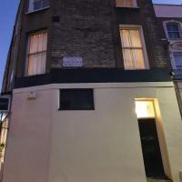 Double Room in Portobello Road London .