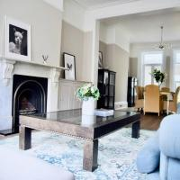 Beautiful 6 Bedroom Period House in Wimbledon Village