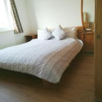 Bright double room with wifi and parking