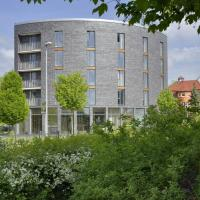 Gästehaus Zur Sorge </h2 </a <div class=sr-card__item sr-card__item--badges <div style=padding: 2px 0  <div class=bui-review-score c-score bui-review-score--smaller <div class=bui-review-score__badge aria-label=Bewertet mit 8,9 8,9 </div <div class=bui-review-score__content <div class=bui-review-score__title Fabelhaft </div </div </div   </div </div <div class=sr-card__item   data-ga-track=click data-ga-category=SR Card Click data-ga-action=Hotel location data-ga-label=book_window:  day(s)  <svg aria-hidden=true class=bk-icon -iconset-geo_pin sr_svg__card_icon focusable=false height=12 role=presentation width=12<use xlink:href=#icon-iconset-geo_pin</use</svg <div class= sr-card__item__content   <strong class='sr-card__item--strong'Pennewitz</strong • Herschdorf:  <span 3,3 km </span </div </div </div </div </div </li <div data-et-view=cJaQWPWNEQEDSVWe:1</div <li id=hotel_906428 data-is-in-favourites=0 data-hotel-id='906428' class=sr-card sr-card--arrow bui-card bui-u-bleed@small js-sr-card m_sr_info_icons card-halved card-halved--active   <div data-href=/hotel/de/ferienwohnung-veit.de.html onclick=window.open(this.getAttribute('data-href')); target=_blank class=sr-card__row bui-card__content data-et-click=  <div class=sr-card__image js-sr_simple_card_hotel_image has-debolded-deal js-lazy-image sr-card__image--lazy data-src=https://q-cf.bstatic.com/xdata/images/hotel/square200/52969899.jpg?k=4ba2ce21119542391a1f3f3926a439683e8b81cfeac583baf61ff859e300dab2&o=&s=1,https://r-cf.bstatic.com/xdata/images/hotel/max1024x768/52969899.jpg?k=fcf7b2eecc4d29ea7157f68e49b8c2bd7758d96a71684604f9cb541471a2456b&o=&s=1  <div class=sr-card__image-inner css-loading-hidden </div <noscript <div class=sr-card__image--nojs style=background-image: url('https://q-cf.bstatic.com/xdata/images/hotel/square200/52969899.jpg?k=4ba2ce21119542391a1f3f3926a439683e8b81cfeac583baf61ff859e300dab2&o=&s=1')</div </noscript </div <div class=sr-card__details data-et-click=      <div class=sr-card_details__i