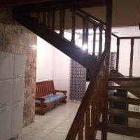 Casa LINDA p 7 pessoas em UBATUBA a 5 minutos do centro da cidade!! COM VISTA PRO MAR