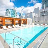 Toronto Wellington 2BR Apartment