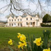 Llyswen Chateau Sleeps 18 with WiFi