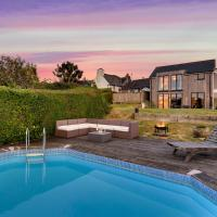 Modbury Villa Sleeps 8 with Pool