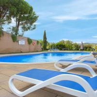 Lloret de Mar Apartment Sleeps 4 with Pool Air Con and WiFi