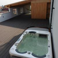 Penthouse Downtown with Sauna and Jacuzzi