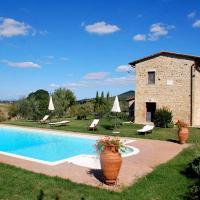 Monticchiello Villa Sleeps 8 Pool WiFi